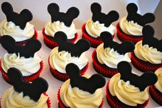mickey mouse birthday party ideas | Mickey Mouse Cupcakes | the treat boutique