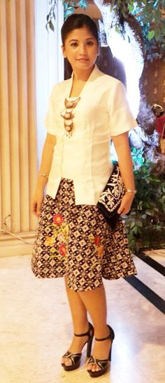 Rok batik bordir and kebaya kutubaru
