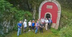 Algunos de los participantes en la primera salida, en La Fuente Vieya La Asociación de Vecinos 'La Hoguera' deCelorio ha comenzado sus...