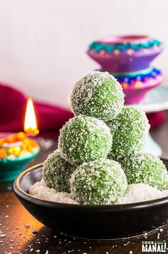 Instant Paan Coconut Ladoo, filled with gulkand is an easy Indian sweet for Diwali! Indian Dessert Recipes, Indian Sweets, Indian Snacks, Indian Recipes, Dessert Ideas, Diwali Snacks, Diwali Food, Diwali Party, Diwali Diy