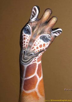 animal hand paintings: Incredible animal pictures of painted hands | art by Guido Daniele.com