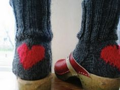 cheer-you-up winter socks. Nice idea to remember. Darn my socks with a big heart. (How to darn socks? Valentine Love, Valentines, Knitting Projects, Knitting Patterns, Woolen Socks, Winter Socks, Cozy Winter, I Love Heart, Knitting Socks