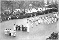 The parade was cut into sections: working women, state delegates, male suffragists, and finally African-American women. Description from ironjawedangelsmediasmarts.blogspot.com. I searched for this on bing.com/images