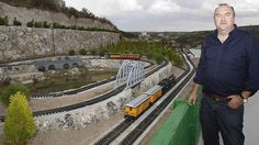 El siglo pasado, la Ribera del Duero se despedía de la línea de Ferrocarril Valladolid - Ariza.   La iniciativa privada, en concreto, Rafael Ramos (De la Residencia Real Del Castillo De Curiel), ha puesto una solución para fomentar el #Turismo, montando una impresionante maqueta al Aire Libre.