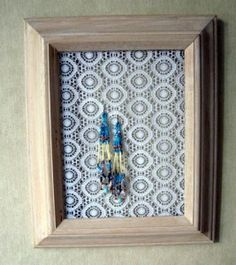 lace accessory holder