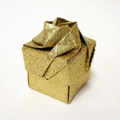 This is made from paper only and does not have card inside. Perfect for storing small trinkets, jewellery, bon bons, sweets, wedding favours or for gift… Origami Gift Box, Black Lace Choker, Japanese Origami, Origami Rose, Burlap Table Runners, Christmas Origami, Rose Gift, Girl Inspiration, Black Lace Tops