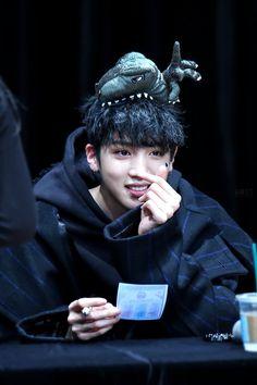The cutest Rapper Maknae…and probably the biggest Yuto Pentagon, Pentagon Wooseok, K Pop, Gwangju, Pop Bands, Fandom, How To Speak Korean, Wattpad, E Dawn