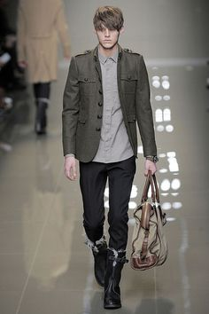 Robbie Wadge3174_FW10_Milan_Burberry Prorsum_HQ(diorboy@mh)
