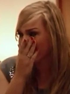 Nikki Marquez ist schockiert. Bei einem Essen mit ihrem Freund überrascht sie plötzlich seine angebliche Affäre. Doch dann kommt alles