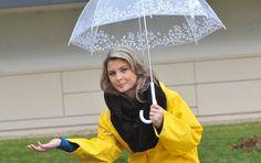žlutá a pvc deštník