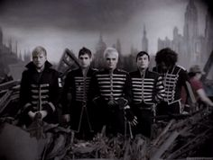 gerard way mygif frank iero mikey way my chemical romance mcr ray toro Bob Bryar The Black Parade may death never stop you