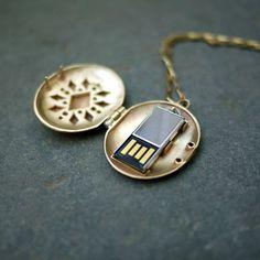 俺、この戦いが終わったら結婚するんだ。USB Locket - まとめのインテリア / デザイン雑貨とインテリアのまとめ。