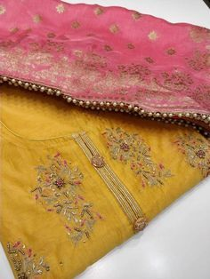 Salwar Designs, Kurti Neck Designs, Kurta Designs Women, Kurti Designs Party Wear, Saree Blouse Designs, Indian Embroidery Designs, Embroidery Suits Design, Embroidery Motifs, Dress Neck Designs