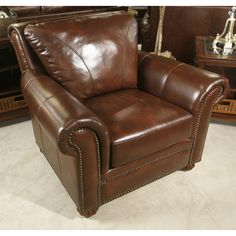 Manchester Leather Chair..8 Way Hand Tied! #bernieandphyls #livingroom