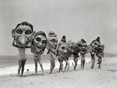 Women Holding Giant Masks Photographic Print by Bettmann Photo Vintage, Vintage Photos, Arte Obscura, Weird And Wonderful, Pics Art, Vintage Halloween, Figurative Art, Mardi Gras, Female Art