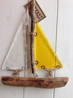 Fused glass and driftwood boat - 'Daisies' £22.00
