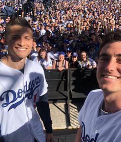 La Dodgers Players, Let's Go Dodgers, Dodgers Nation, Dodgers Girl, Baseball Players, Dodgers Party, Baseball Boys, Dodgers Baseball, Orel Hershiser