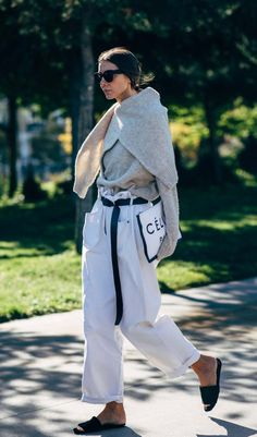 31 Ways to Team Up Your Jeans and Sandals For the Win