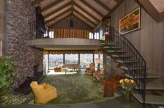This Mid-Century Home Has Gone Completely Untouched Since the Authentic Mid-Century Home - Brady Bunch-Inspired House Vintage House Plans, Modern House Plans, Mid Century Decor, Mid Century House, Style At Home, 70's Style, Retro Interior Design, Retro Design, Interior Ideas