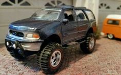 1/64 CUSTOM LIFTED FORD EXPEDITION FOR DCP LAYOUT DIORAMA OR DISPLAY!!