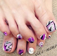 Tribal inspired toenail art. Play around with violet, white, black and periwinkle colors on this sassy looking nail art design for your toes. The bold shapes and playful design simply creates a delightful painting of mischievous shapes splashed across your toenails.
