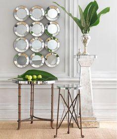 Un espejo es una superficie pulida en la que al incidir la luz se refleja, siguiendo las leyes de la reflexión
