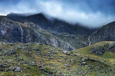 New free photo at Avopix.com - Mountain Valley Landscape    ➡ https://avopix.com/photo/10942-mountain-valley-landscape    #mountain #valley #landscape #mountains #sky #avopix #free #photos #public #domain
