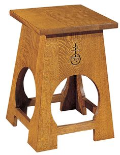 Mission Collection Roycroft Tabouret This tabouret adapts for perfect use in pairs as a cocktail table. The Roycroft Orb graces one side of the table. Available in solid oak or cherry. Arts And Crafts Furniture, Fine Furniture, Quality Furniture, Furniture Projects, Craftsman Style Furniture, Mission Style Furniture, Dog Table, Rustic Mantel, Roycroft