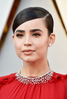 Disney Star Sofia Carson Kicks Off Oscars 2018 Red Carpet!: Photo Sofia Carson is first up on the red carpet at the 2018 Academy Awards held at the Dolby Theatre on Sunday (March in Hollywood. Red Carpet Party, Red Carpet Hair, Red Carpet Looks, Sofia Carson, Oscar Hairstyles, Sleek Hairstyles, Helen Mirren, Harry Winston, Makeup 2018