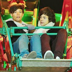 Pin by Ella on Larry Stylinson (With images) One Direction Pictures, One Direction Memes, I Love One Direction, Larry Stylinson, Fanfic Harry Styles, Harry Edward Styles, X Factor, Larry Shippers, Mutual Respect