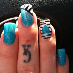 My zebra and turquoise nails!