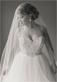 Love this bridal portrait with the veil - so gorgeous! Click to view more!