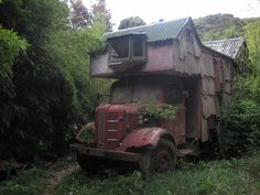 now that's a home on wheels...