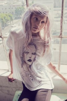 ashy pearl blonde hair