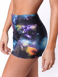 The Galaxy shorts are sure to be a yoga crowd pleaser. The convertable waist band can be worn up or down to reveal the hot pink color block band. These shorts are the perfect length to allow you to mo