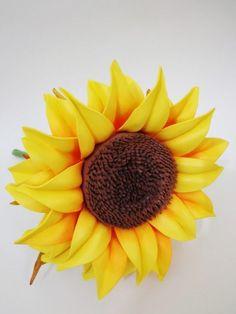 girassol de eva Giant Flowers, Felt Flowers, Diy Flowers, Fabric Flowers, Paper Flowers, Wedding Flowers, Felt Birds, Flower Tutorial, Handmade Flowers