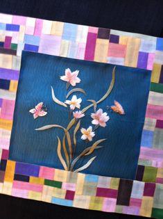 연이재공방 작품들 : 네이버 블로그 Korean Crafts, Korean Traditional, Wood Boxes, Paper Crafts, Embroidery, Quilts, Pearls, Blanket, Wooden Crates