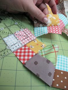 GREAT way to do tiny 4 patches!!! Bee In My Bonnet: Bee in my Bonnet Row Along - Row One...these are only 1 inch square.