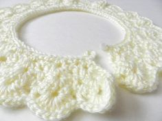 vintage crochet colllar that is very pretty!...free pattern!