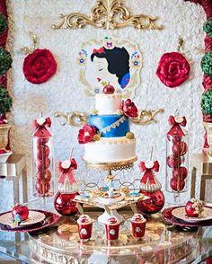Inspiração festa #BrancaDeNeve  #QueridaData #BeijoTriplo  Imagem #pinterest
