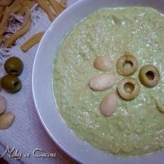 Pesto olive verdi e mandorle