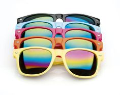 Experience a summer filled with color in your salon! Reward your clients with the trendy sunglasses from the new URBAN TRIBE collection