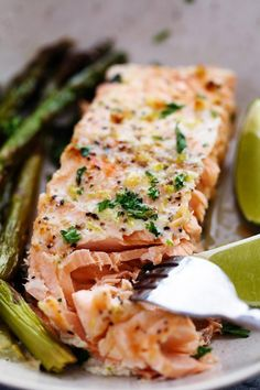 Buttery Garlic Lime Salmon with Asparagus in Foil | The Recipe Critic