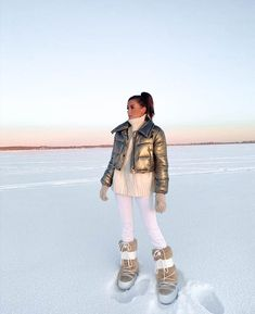 Outfit Invierno, Snow Outfit, Ski Season, Moon Boots, Winter Time, Autumn Winter Fashion, Skiing, Winter Outfits, Photoshoot