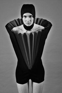 Kamila Gawronska trained in art and fashion photography before attending the International School of Costume and Fashion Desig. 3d Fashion, Weird Fashion, Couture Fashion, Fashion Beauty, Fashion Design, Origami Fashion, Structured Fashion, Conceptual Fashion, Iris Van Herpen