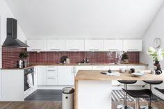 싱글하우스로 쓰기 좋은 스웨덴의 15평아파트인테리어 사진을 포스팅해볼까합니다.실평수 약 15평 정도의 ...