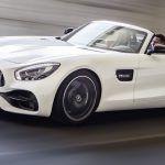 C'est seulement la veille du Mondial Auto 2016 qu'un parterre de VIP découvrira la Mercedes AMG GT Roadster. Précieuse, elle snobera la quinzaine parisienne.