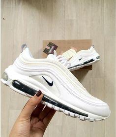 Nike Air Max 97 weiß/white // Foto: nawellleee (Instagram)
