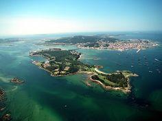 Isla de La Toja, y detrás O Grove y su península, Pontevedra, Galicia - Spain
