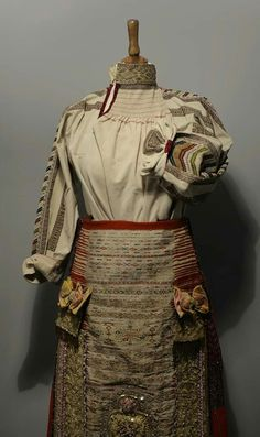 Folk Costume, Costumes, Folk Embroidery, Victorian, Traditional, Blouse, Dresses, Fashion, Vestidos